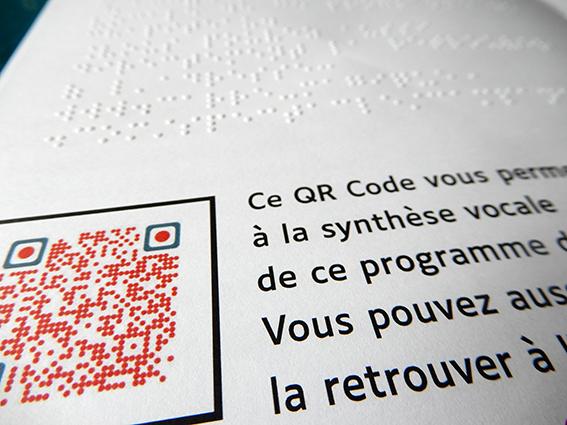 Un texte en braille et une connexion vers un fichier lisible en synthèse vocale sont proposés en page 5
