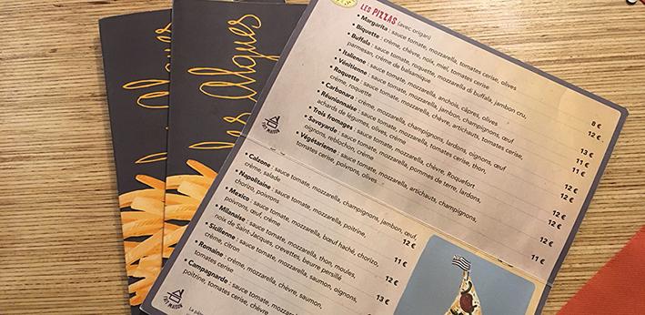 photo des cartes dans le restaurant